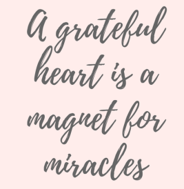 a-grateful-heart-is-magnet-for-miracles-inspirational-quote-about-gratitude